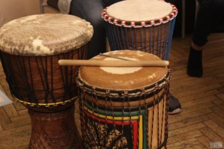 Zajęcia nabębnach afrykańskich