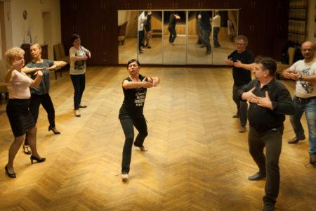 Taniec towarzyski dla początkujących